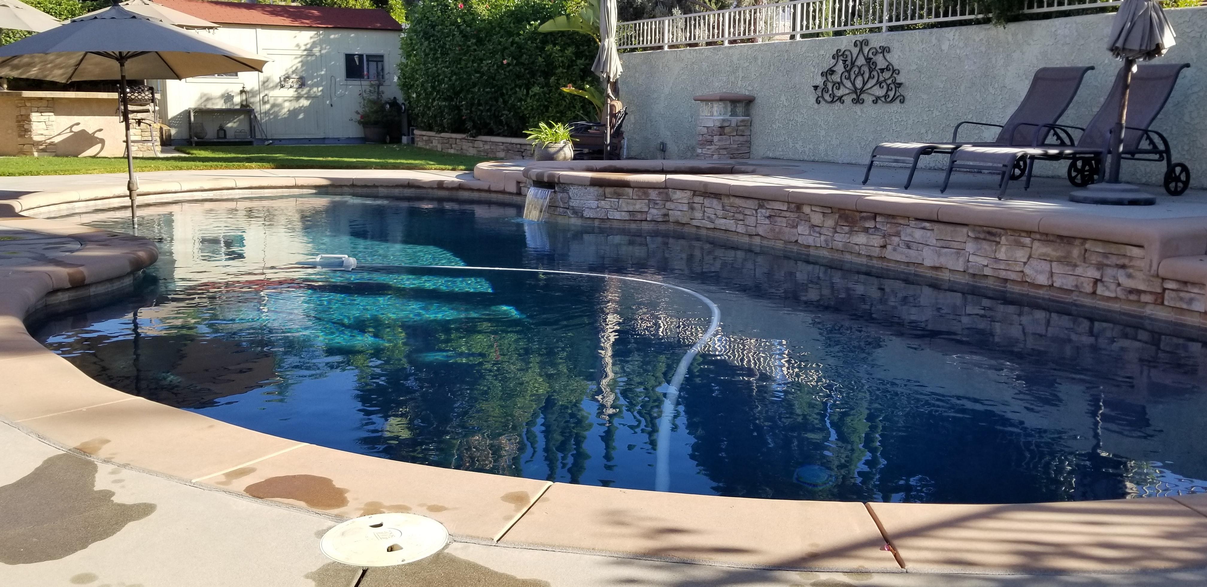 Na kvalitě zpracování bazénu a jeho okolí není radno šetřit, investice se vrátí v dlouhé životnosti bazénu