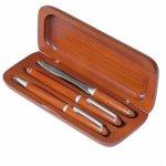 Dřevěné pouzdro s kuličkovým a plnicím perem a nůž na dopisy