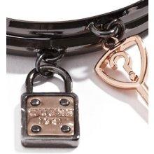 GUESS náramek Hematite-Tone Logo Charm Bangle Set P201251800A