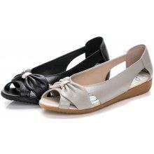 Dámské sandály z hovězí kůže