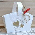 Svatební košíček krabička na výslužku potisk SRDCE / 9x6x6 cm (výška 12 cm vč. ouška)