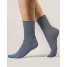 Gina dámské ponožky klasické bezešvé jednobarevné Bambusové ponožky 82000P černá