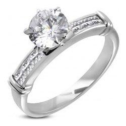 1482afdd5 Zásnubní prsten s velkým vsazeným zirkonem linie zirkonů v hranaté přední  části D16.13