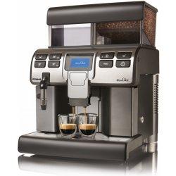 Kávovar s připojením vody