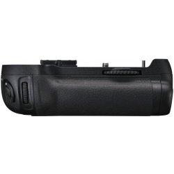 Bateriový grip Nikon MB-D12