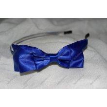 Tamvě modrá saténová čelenka s mašlí