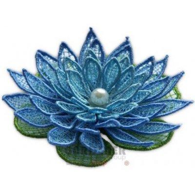 Vyšívaná ozdoba květ leknín modrý