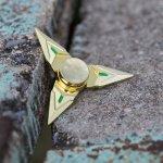 Antistresový kovový spinner Fuji zlatý