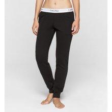 52511e4f20 Calvin Klein černé dámské tepláky Pant Jogger
