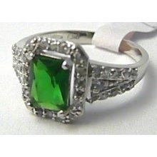 feafc87e9 Mohutný prsten z bílého zlata s velkým zeleným smaragdem 585/3,33gr