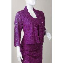 Krajkové fialové šaty na svatbu pro svatební matku