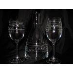 LsG-Crystal Křišťálová broušená láhev + 2 křišťálové broušené skleničky na víno Náramek s krystaly SWAROVSKI luxusní balení S-610 3 Ks 1200/250 ml