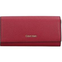 4a79f957b18 Calvin Klein Dámská peněženka Greta vinová