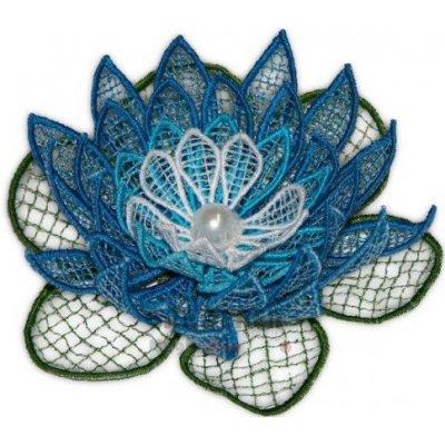 Vyšívaná ozdoba květ leknín modrá 11cm