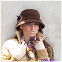Vlněný klobouk s háčkovaným květem barva růžová Karpet 383433 78e5199785