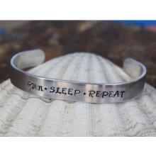 Lamb Designs Run Sleep Repeat stříbrná Blue náramek 019J