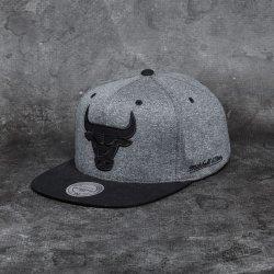 online store 80562 b7603 Mitchell   Ness Sidewalk Chicago Bulls Snapback šedá   černá   černá