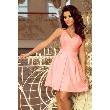 564a45171db2 Dámské šaty v s krajkovým výstřihem a záhyby 208-5 pastelově růžová