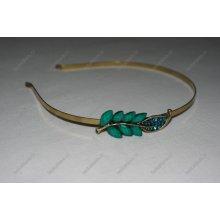Čelenka s lístečkem ze zelených kamínků