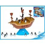 Pirátská loď s balancujícími tučňáky