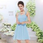 ddff57e7f58e Krátké společenské šaty na svatbu koktejlky světle modrá