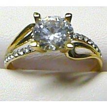 04d4da611 Luxusní mohutný zásnubní zlatý prsten s velkým zirkonem P190