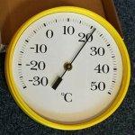 Apator Velký nástěnný bimetalový teploměr, průměr 225 mm - žlutý