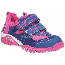 66b04135ed8 Dětská obuv od 1 000 do 1 400 Kč