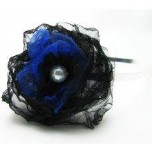 Černomodrá květina, ruční práce