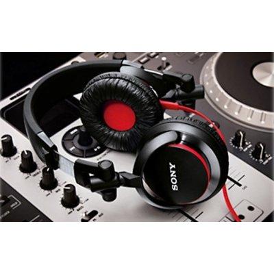 Pravá DJská sluchátka
