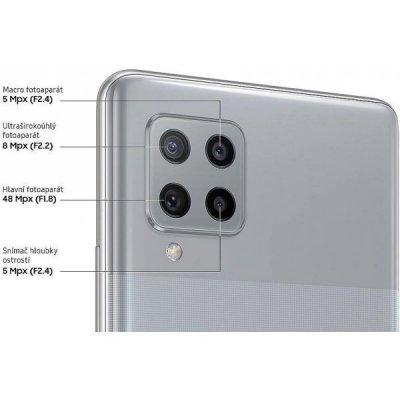 Špičkový čtyřnásobný fotoaparát