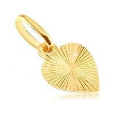 Plochý prívesok zo zlata 14K - plné srdce s gravírovanými lúčmi GG05.08