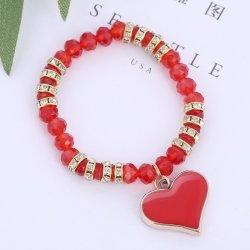 Queen náramok s červeným srdiečkom 1001274 od 4 f9f9b3ad70f