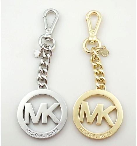 Prívesok na kľúče Prívesok na kľúče Michael Kors s logom ... b786bb429a2