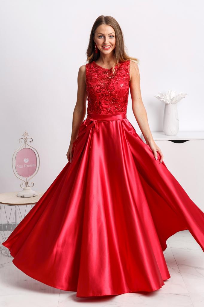 8b06bbb37055 Dámske šaty Červené spoločenské šaty so saténovou sukňou a rozparkom ...