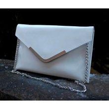 628043cb23 kabelka listová lakovaná strieborná retiazka biela