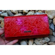Cavaldi Dámska červená peňaženka lakovaná červená s kvetmi a motýľmi 484056c09b9