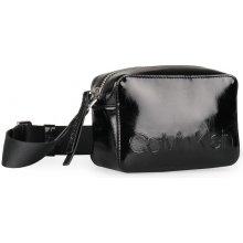 544986030a Calvin Klein čierna kabelka Edged Camera Bag Black