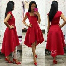 Asymetrické šaty červená