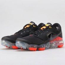 Nike Air VaporMax GS Running Shoe Boys' čierna Bežecká obuv
