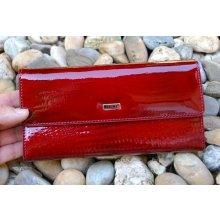 Dámska tmavá červená lakovaná kožená peňaženka zips 03e2d71bd16