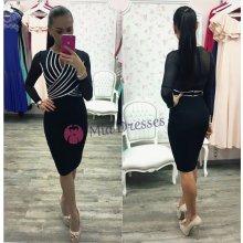 Čierne šaty so striebornými pásmi