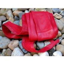Červený široký dlhý kožený opasok