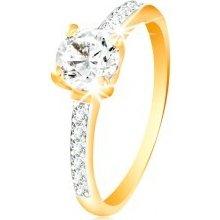 Šperky eshop Prsteň v 14K zlate číry zirkón v kotlíku línie zirkónikov na  ramenách GG215. 53e98ddccc3