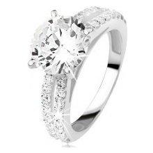 Šperky eshop Strieborný zásnubný prsteň 925 so zirkónom a zirkónovými pásmi C24.16