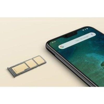 Dve SIM karty a jedna pamäťová naraz