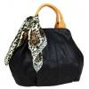 Mahel Módní černá dámská kabelka s šátkem AAJ-20